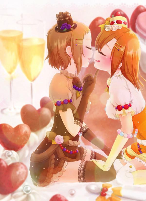 【ラブライブ! エロ同人】綺羅ツバサと高坂穂乃果が同棲始めました♡一緒に買い物に行ったり、一緒にご飯を作ったり、いっぱいお話して、いっぱいキスして、いっぱいイチャラブレズエッチしちゃってますww (1)